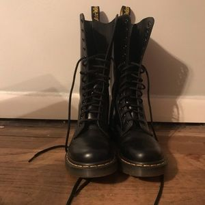 Dr. Martens 1914 smooth leather boots